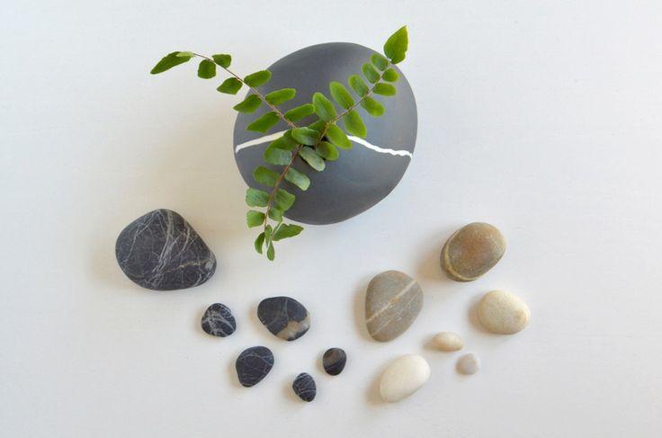 ❍ Porcelain black stone by Otchipotchi . August 2016
