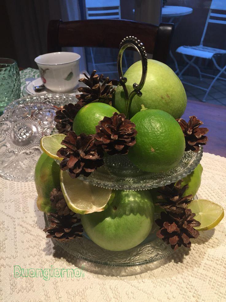 Colazione in verde Agrumi Pigne Mele autunno famiglia