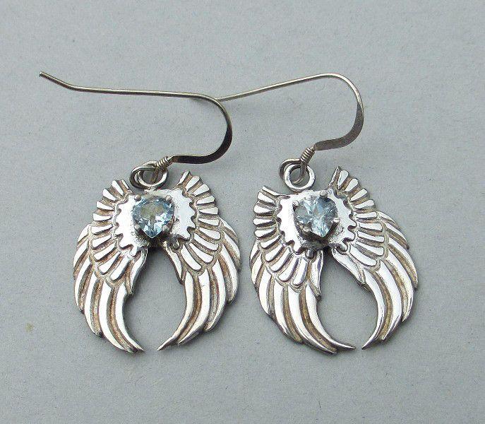 Zilveren engel vleugel oorbellen met aquamarijn  van Jewellery by Zilvera - silver, stones and fun op DaWanda.com   http://nl.dawanda.com/product/25826513-Feine-silberne-Ohrringe-mit-Aquamarin-Herzen