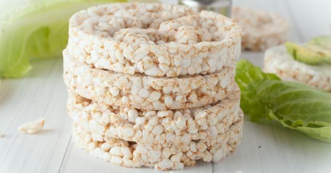 Recette de Galette de riz soufflé à moins de 100 calories. Facile et rapide à réaliser, goûteuse et diététique. Ingrédients, préparation et recettes associées.