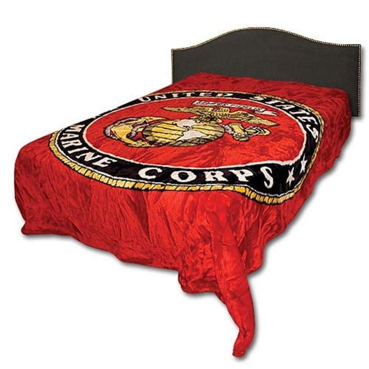 Marine Corps Queen Size Blanket, I have one of these and I LOVE it!! Bought it for my USMC son and he thought it was too Moto to take back with him. Someday, when he gets out he might claim it, but until then it's mine.