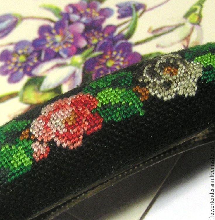 Купить Заколки с вышивкой - заколка для волос, вышивка ручная, петит поинт, цветы, украшение для волос