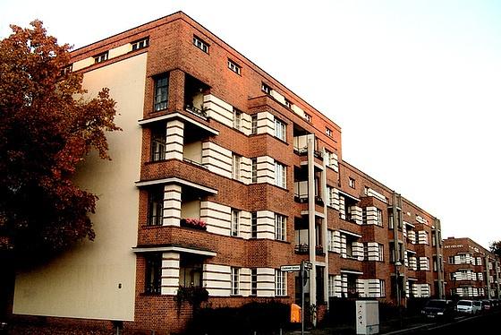 Bruno Taut - The Schillerpark Settlement (Berlin, 1930 early)