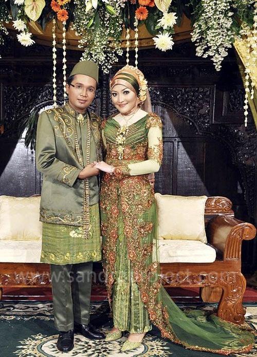 064e797bb5f575ecdacb582c2187d031 indonesian wedding baju pengantin