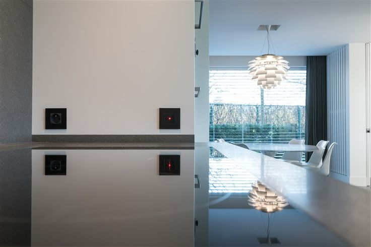 Design Switch 'LARA' & Cover Plate 'ARNO' / KNX & 24v / 14 high-end finishings!