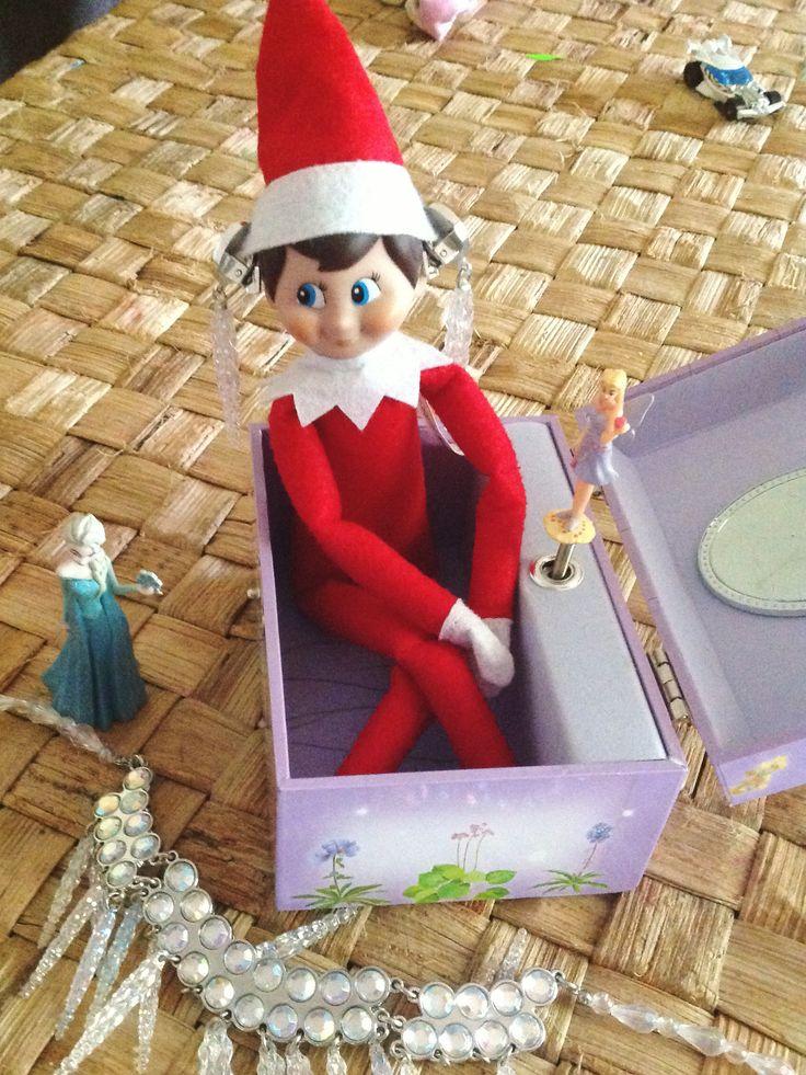 Elf on the shelf. Jingle elf borrows Elsa's earrings