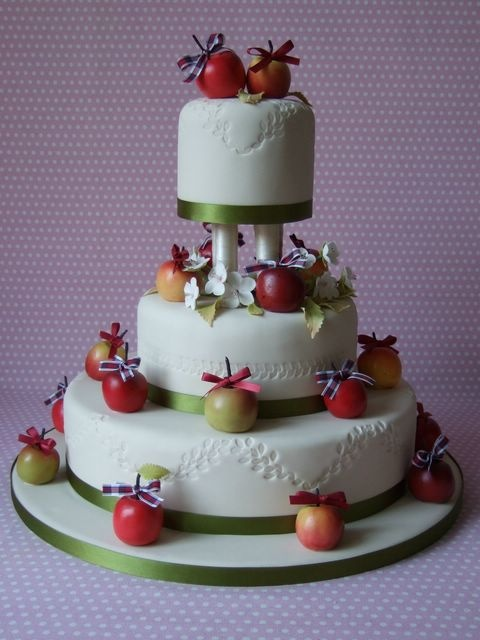 wedding cakes decorated with berries 17 best images about apple decorative for kitchen on 24155
