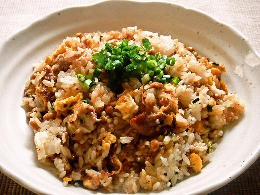 [有名人ごはん] 納豆好きの宇多田ヒカル流「納豆チャーハン」は、ボリュームたっぷりで臭わない!