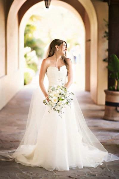 A smiley bride: http://www.stylemepretty.com/little-black-book-blog/2015/01/26/rustic-elegant-wedding-at-bacara-resort/ | Photography: Laurie Bailey - http://lauriebailey.com/