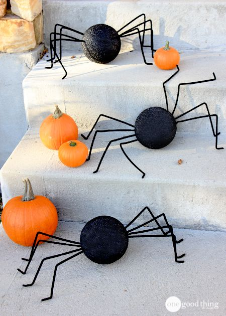 It's a BATS and SPIDERS invasion! Simple to make & packs a spooky punch to your porch!