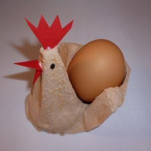 Easter decor from egg carton - hen and egg...
