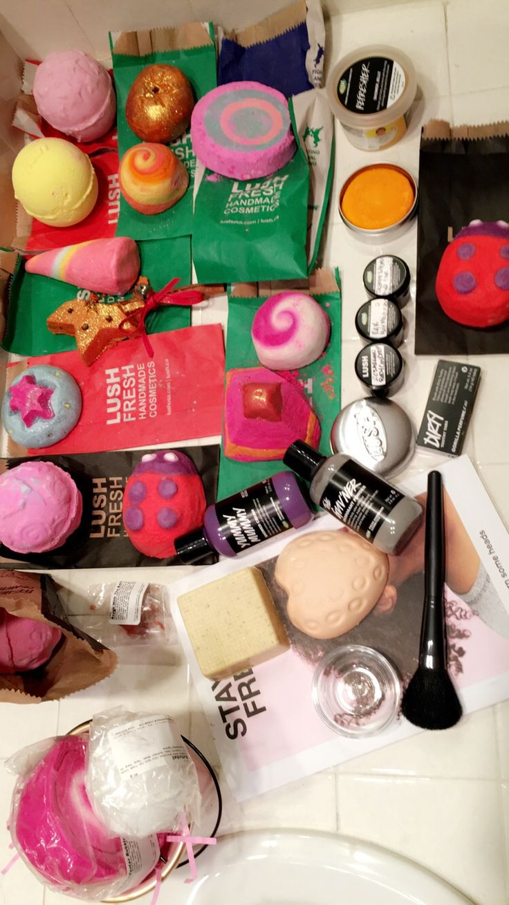 Mother's Day is around the corner! Make sure you get your limited Mother Day collection from Lush, online and in stores!  #lushcosmetics #lushusa