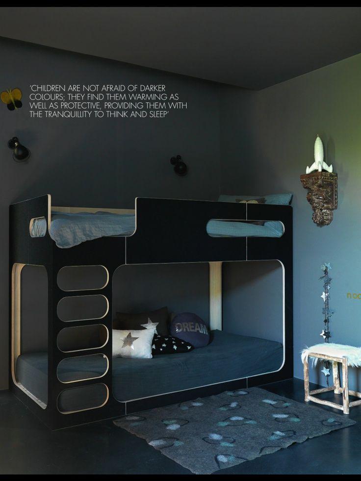 #lits superposé in a dark room Pour la couleur :)
