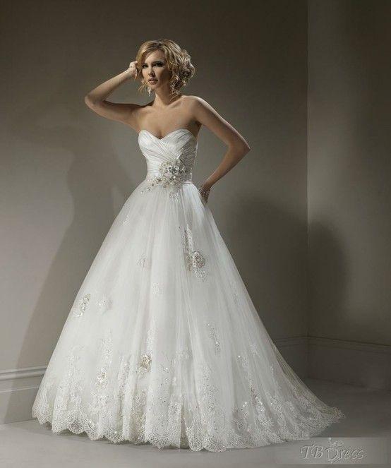 Gorgeous A-line Sweetheart Sleeveless Floor-Length Chapel Embroidery Wedding Dresses