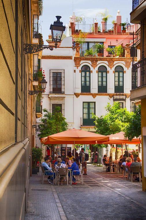 Calles del casco antiguo de Sevilla