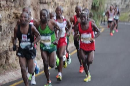 @Collenmakaza and @munya95 in main bus OMTOM 2013 Old Mutual Two Oceans Marathon @welovemizuno @ToyotaSA @NedbankSport