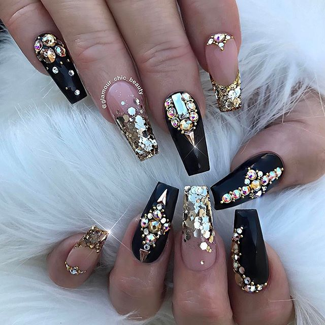 OMG I FELL IN LOVE WITH THESE NAILS WHEN I GOT THEM