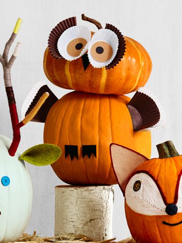 Pumpkin Decorating Ideas -- Owl Pumpkin via @CountryLiving owl Halloween