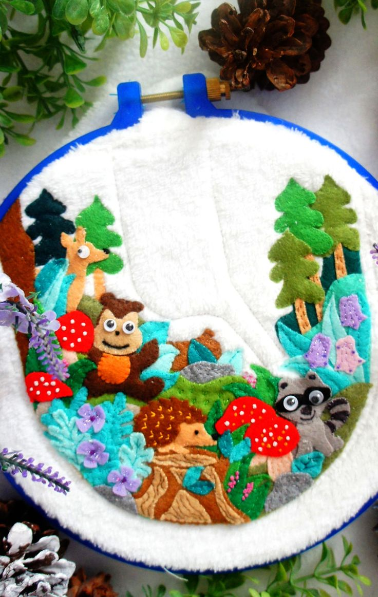 """I Layer Up Hundreds Of Felt Pieces To Create These """"Felt Paintings"""" 