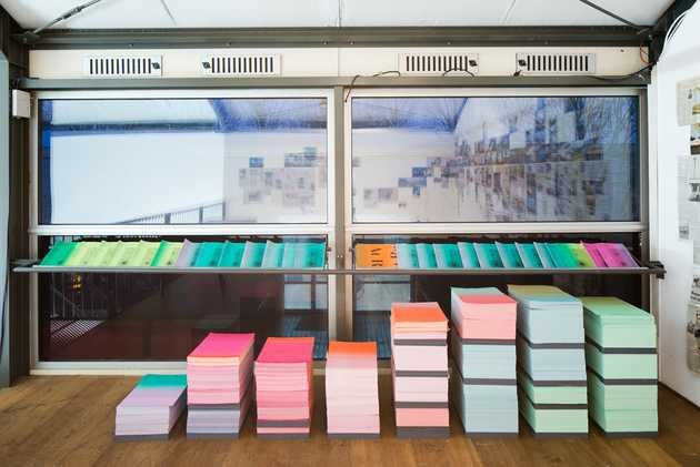 LUST, huisstijl tentoonstelling At Random? Netwerken en kruisbestuivingen (2007-2008). © Jordi Huisman, Museum De Paviljoens