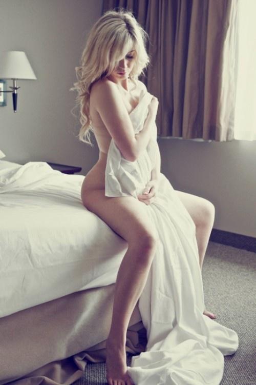 hellina nude