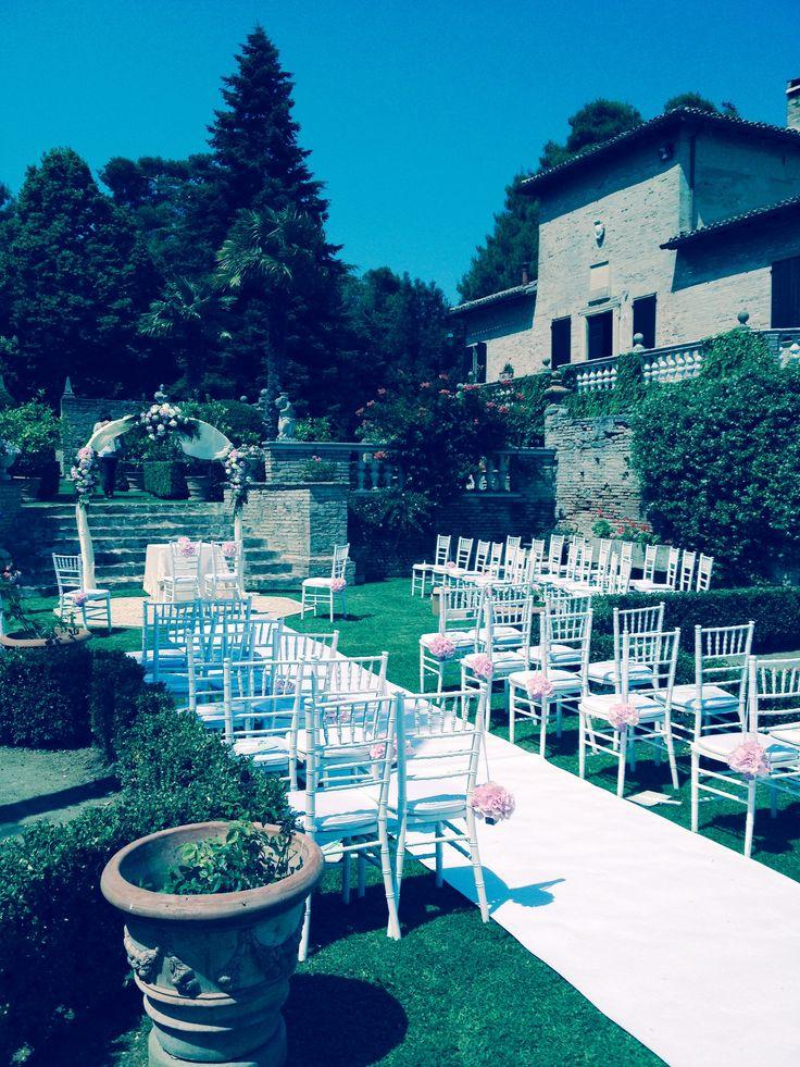 I giardini di Villa Cattani per matrimoni da sogno! Your wedding through Villa Cattani's gardens! #hotel #giardini #matrimonio #gardens #italian #wedding