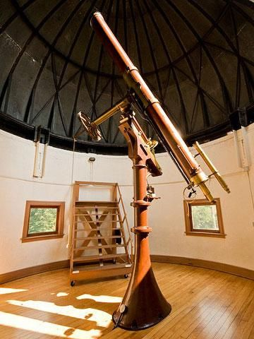 Cincinnati Observatory  Peer through telescopes and take a historical tour of the Cincinnati Observatory on the hills of Mount Lookout. Check the calendar for special events throughout the year; stargaze on most Thursdays and Fridays.