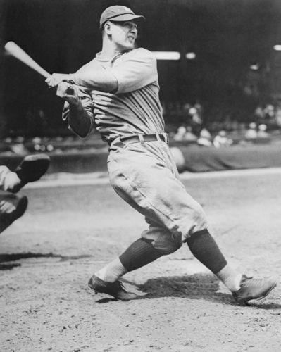 Lou Gehrig Swinging - 1927