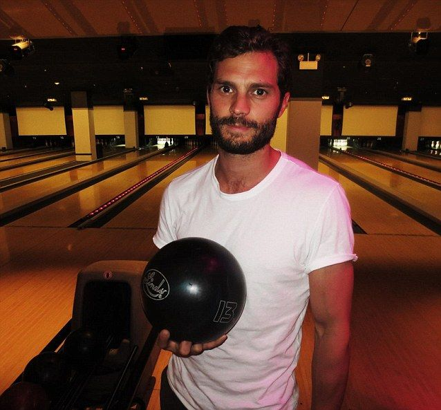 I would challenge Jamie to a game of bowling. | instagram: @everythingjamiedornan & twitter: @everything_jd