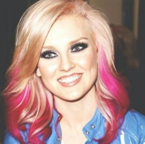 """Perrie Edwards was born on10 July 1993(age21),and raised inSouth Shields, Tyne and Wear to parents Alexander Edwards and Deborah Duffy. Edwards has an older brother named Jonnie. Her first audition was """"You Oughta Know"""" byAlanis Morissette.Perrie previously attended Radipole Primary School inWeymouth, Dorsetbefore moving back to South Shields. She is now in a group called little mix"""