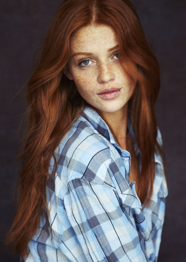 Cintia Dicker - Cassandra Foster, la reina