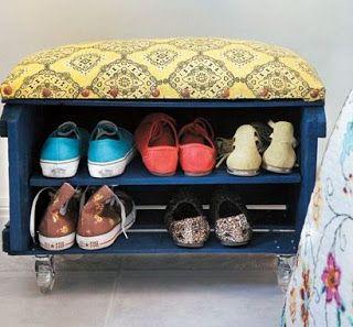 Reciclar cajas de fruta como zapatero con asiento