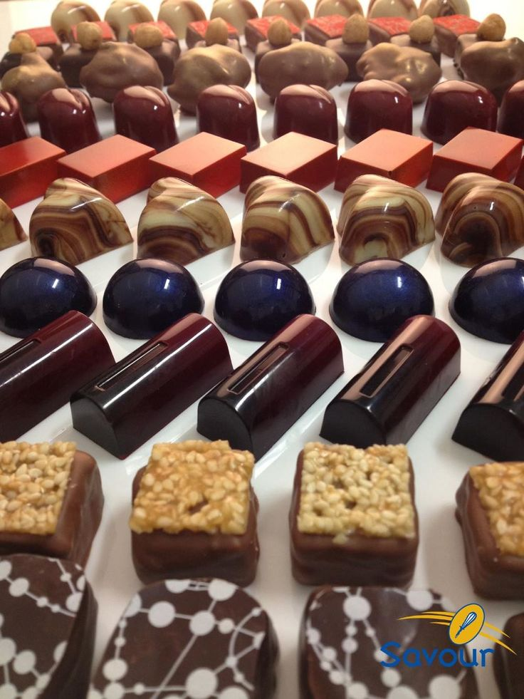 A huge variety of petits gateaux are proposed and taught at Savour! #petitsgateaux