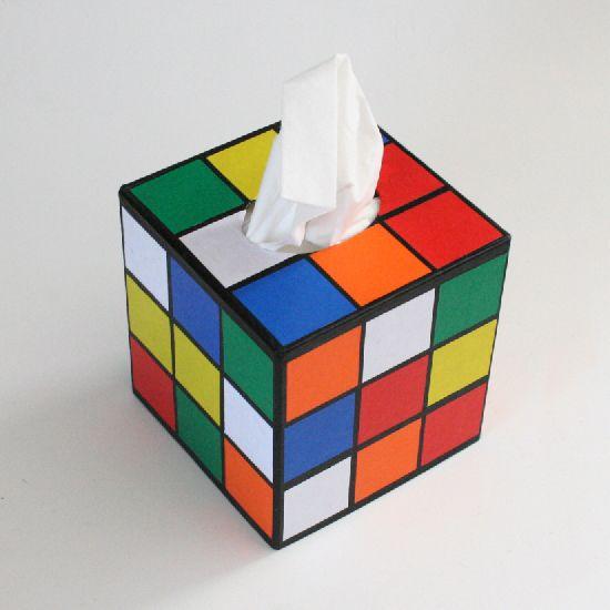Créer une boîte à mouchoir originale en forme de Rubik's Cube