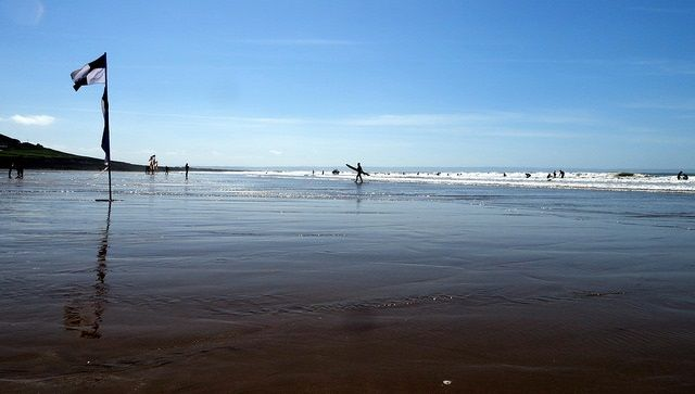 Team GB's Paralympic swimmers were spotted shaking up their training methods in #Devon. Find out what they were doing here https://www.johnfowlerholidays.com/foxy-blog/team-gb-paralympic-swimmers-learn-surf-croyde