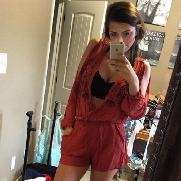 Shop Women's Free People size Various Dresses at a discounted price at Poshmark. Description: Brand new boutique brand retail $78! So cute for fall looks like free people... It is a high quality Boutique brand :) not FP. Sold by mlindseyadele. Fast delivery, full service customer support.