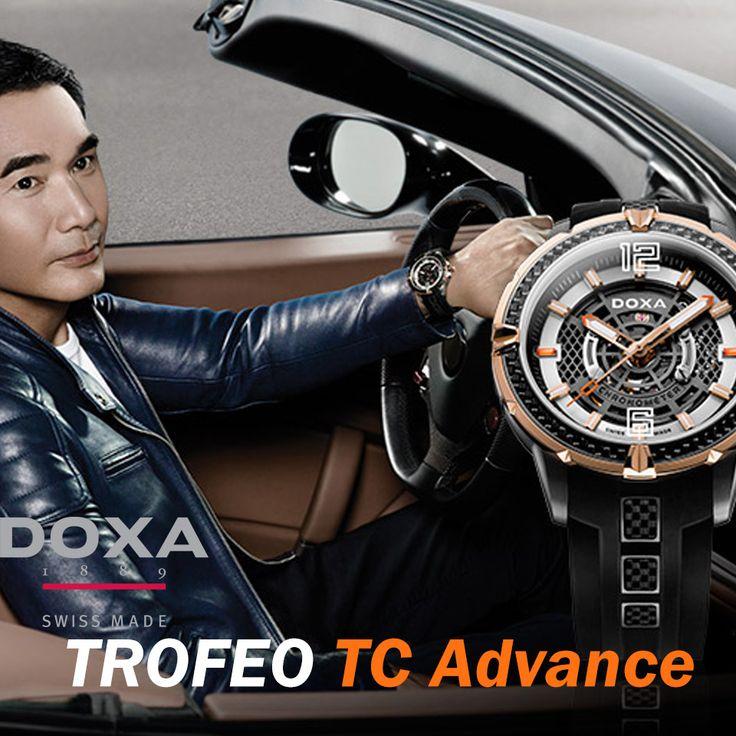 Koperta modelu TC Advance, która ma średnicę 48 mm została wykonana z materiałów takich jak tytan i włókno węglowe zapewniając konstrukcji ogromną wytrzymałość oraz lekkość. Pierścień tego modelu pokryto różowym złotem metodą PVD co nadaje zegarkowi wyjątkowego charakteru. Doxa zdecydowała się na zastosowanie gumowego paska z klamerką z włókna węglowego co w przypadku zegarka sportowego jest doskonałym połączeniem. TC Advance może się również pochwalić wodoszczelnością 10ATM. #zegarek