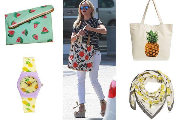 Print frutal en todos sitios: bolsos, pañuelos..