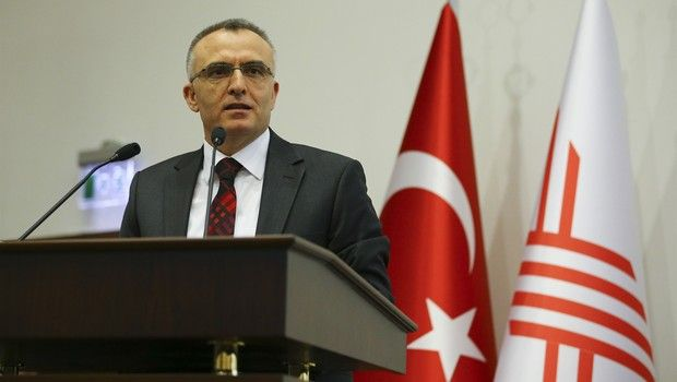 """Maliye Bakanı Ağbal, """"Bakanlık olarak elektronik fatura uygulamalarını yaygınlaştırma çalışmalarımız sonucunda iki yıl içinde bu sayıyı 100 bine ulaştırmayı hedefliyoruz"""" dedi. Türkiye genelinde e-Fatura uygulamasından yararlanan mükellef sayısı 50 bin 585 mükellefe ulaştı. E-Fatura sayısı ise 113 milyonu aştı, fatura tutarı 1,2 trilyon lira oldu. http://bit.ly/23wpyol #EFatura #Fatura #EDönüşüm"""