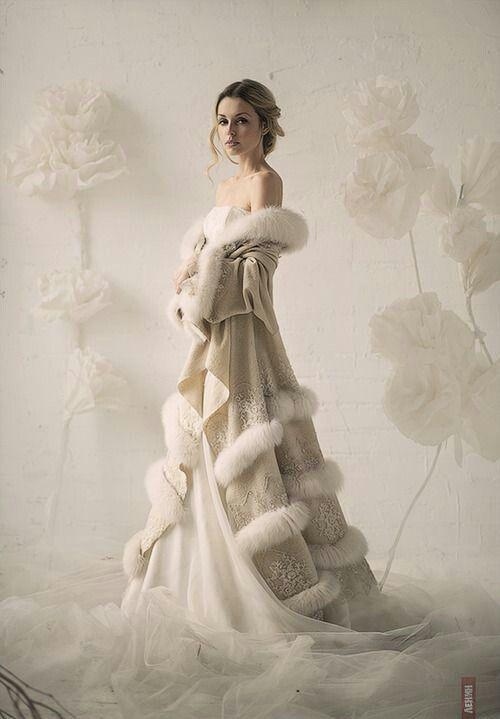 Linee morbide e calde per un Winter Wedding.  Il #Diario delle #Spose