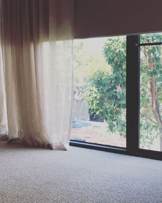All at a touch of a button! #drapes #curtains #sfold by #iloveblinds #i💙blinds  #blinds #rollerblinds #interior #interiordesign #interiordesigner #interiordecor #interiordecorating #decor #melbourne #luxury #luxuryhomes #homedecor #homeautomation #homedesign #design #designer #designers #elegant #melbournearchitects #architect #melbournemade #melbournedesign - posted by Eyecon Interior Solutions https://www.instagram.com/iloveblinds.com.au - See more Luxury Real Estate photos from Local…