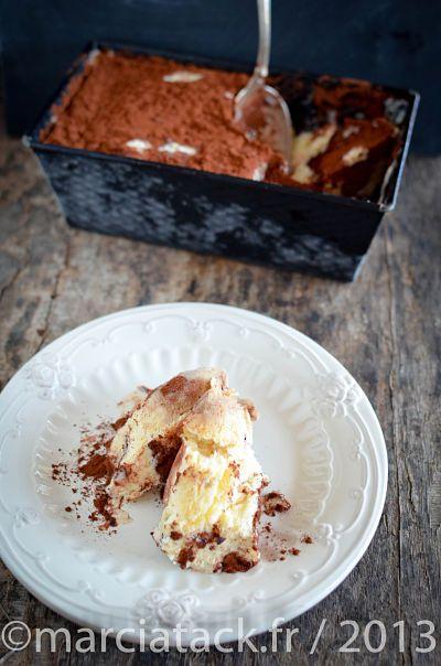 Une recette de glace au tiramisu extrêmement simple à faire sans sorbetière pour un savoureux et une onctuosité incomparable