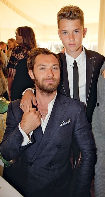 Photo of Jude Law & his  Son  Rafferty Law
