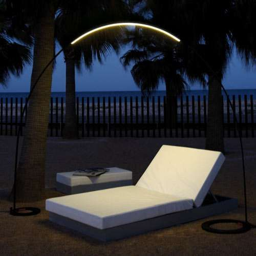 Halley Floor-to-Floor Outdoor Lamp