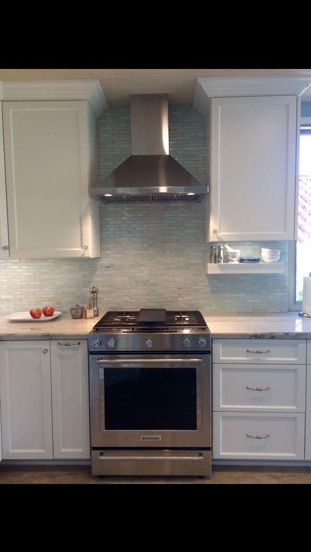 Iridescent Glass Tile Backsplash, Awesome Kitchen Aid Gas Slide In  Stove/oven, Quartzite