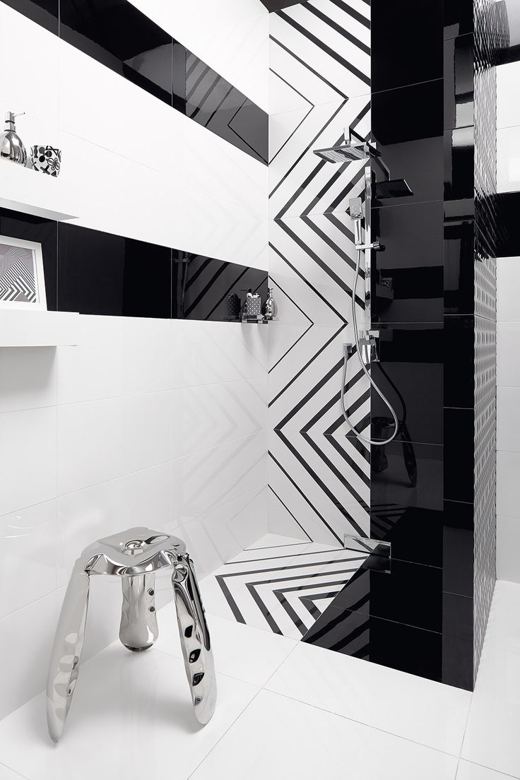 Black & white is always a good idea! Opp! glazed ceramic tiles (90x30 cm) and porcelain decorative tile Lines (60x60 cm)