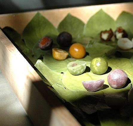 「H I G A S H I Y A」  at Japan  Japanese sweets Like a Beautiful art.