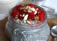 Strawberries 'n' Cream Chia Pudding