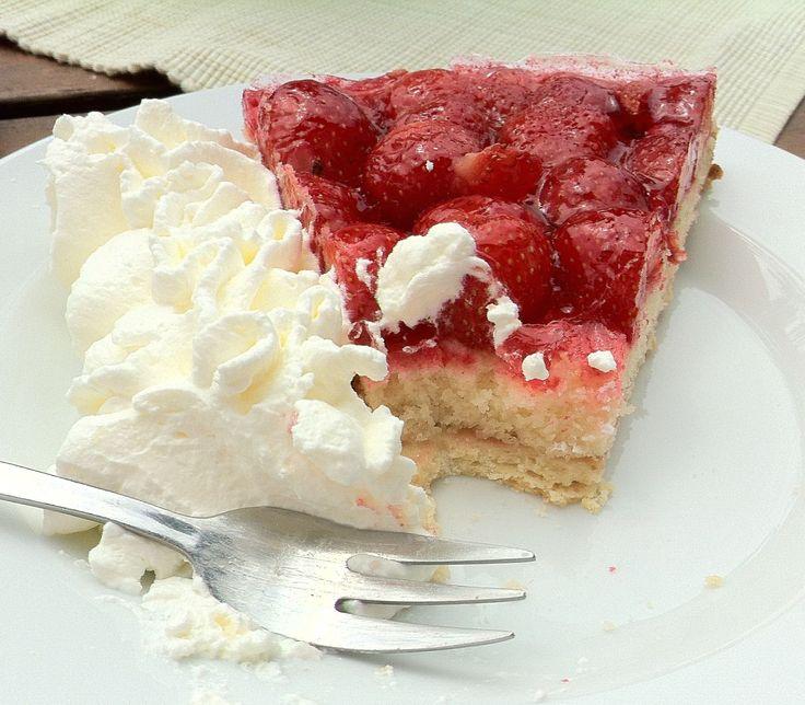 Heute Nachmittag einen sehr leckeren Erdbeerekuchen gegessen bei Gut Kalkerbend.
