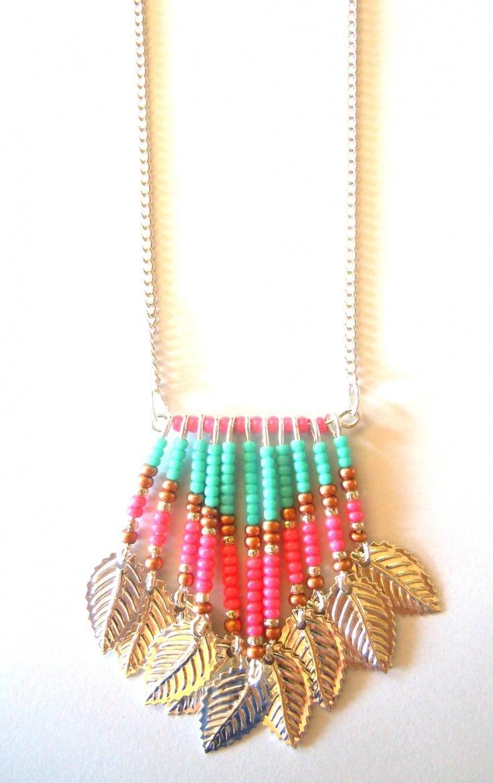 Collier Ethnique-Navajo argenté avec perles rose-vert-bronze